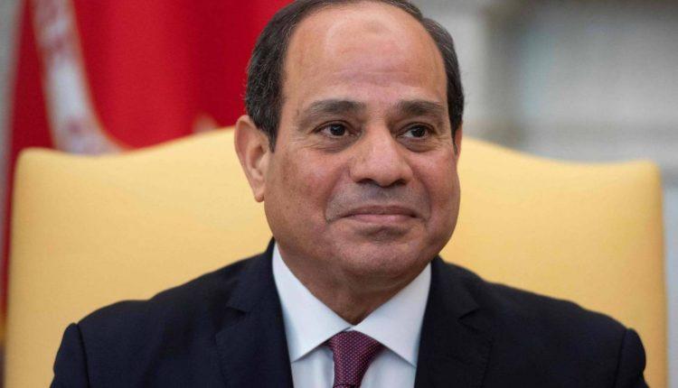 الرئيس السيسى يجتمع برئيس مجلس الوزراء ووزير المالية ونائبيه