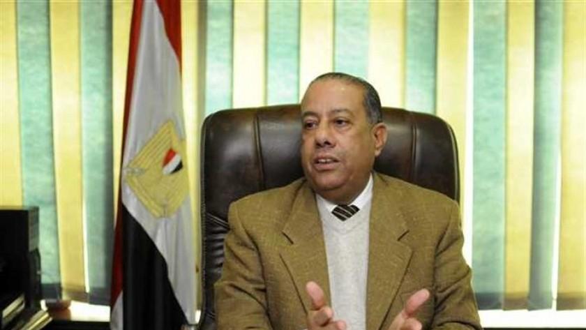 عاجل.. القبض على رئيس مصلحة الضرائب واثنين آخرين في واقعة رشوة
