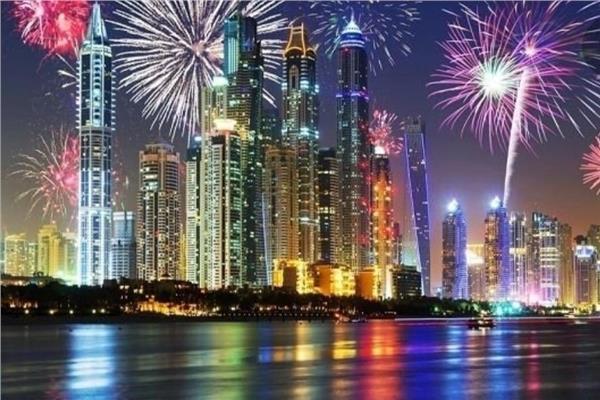 شاهد.. القائد العام لشرطة دبي يشيد باحتفالات رأس السنة التي مرت بدون حوادث أو وفيات