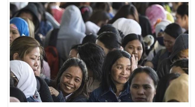 الفلبين تفرض حظرا على إرسال العمالة إلى الكويت