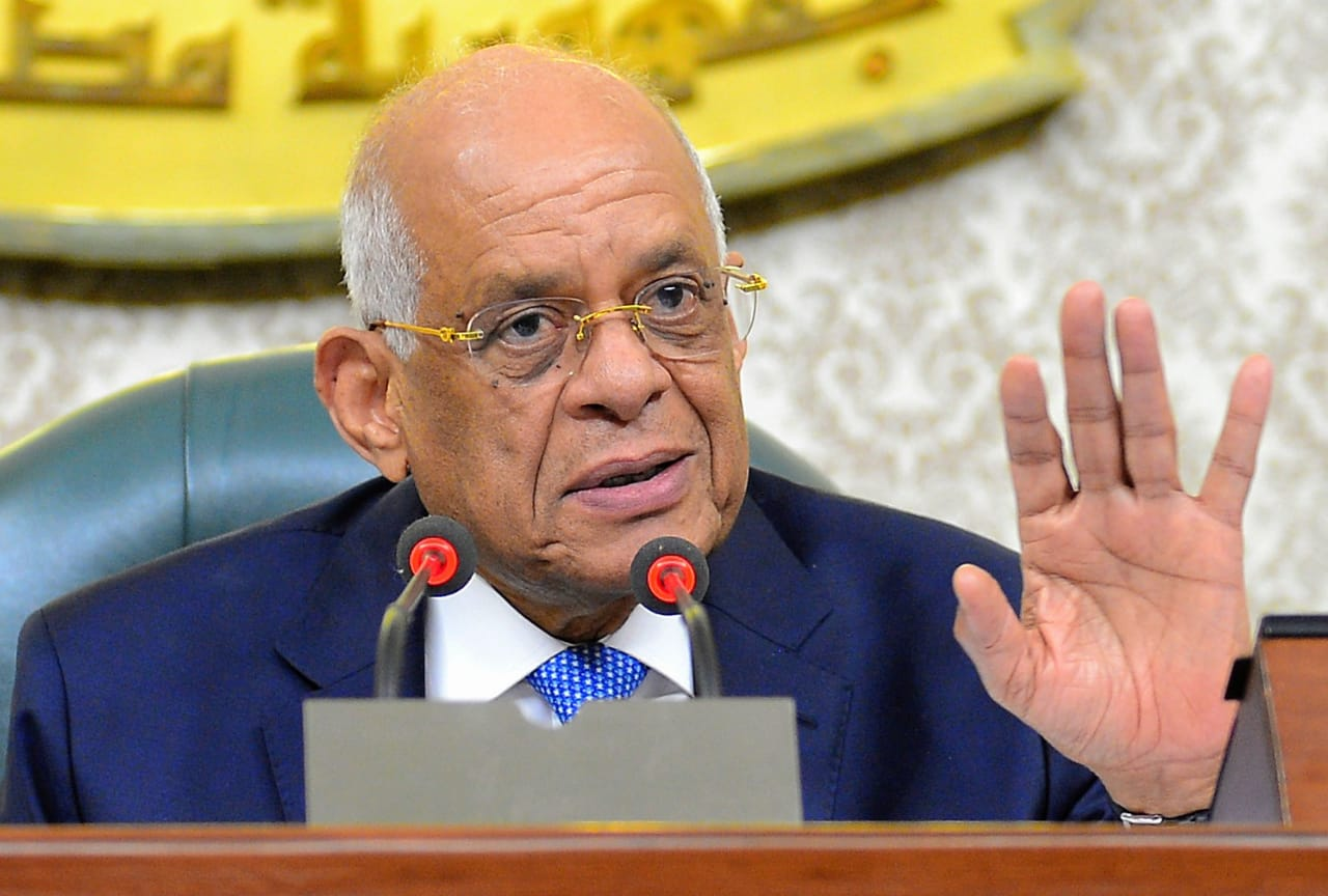 عبد العال يهنئ الرئيس السيسي بذكرى تحرير سيناء