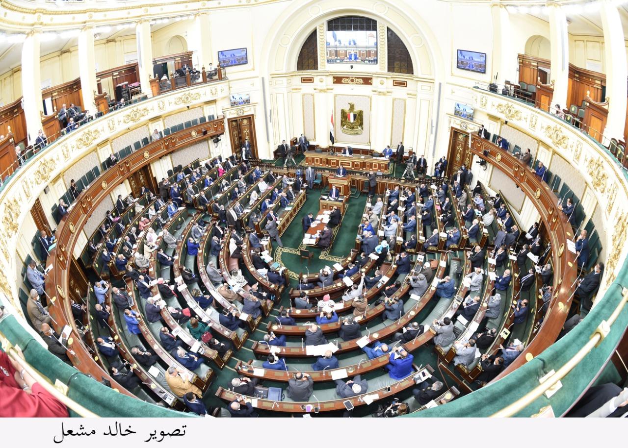 البرلمان يوافق على مشروع قانون زيادة علاوات وحوافز الموظفين ومنحة العاملين بالشركات