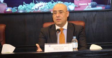 وزير الإسكان يشدد على الاستمرار فى تنفيذ الأعمال بالمواقع المختلفة