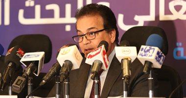 المستشفيات الجامعية تطمئن المصريين: نمتلك 2754 جهاز تنفس صناعى