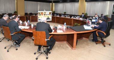 وزير البترول: تحويل السيارات للغاز الطبيعى مشروع قومى يحظى باهتمام الرئيس